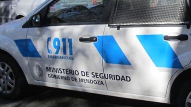Movil-Policia-de-Mendoza
