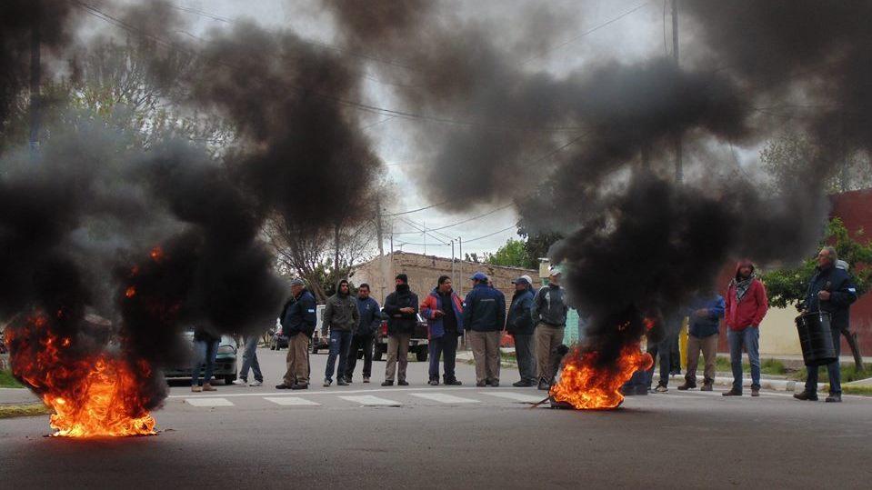 Municipales de Santa Rosa levantaron el paro